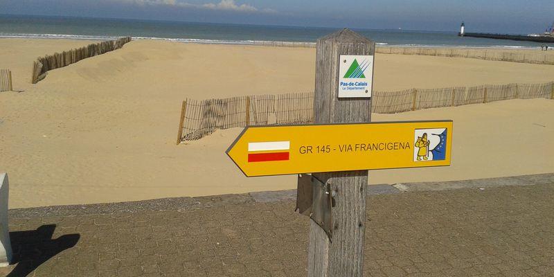 La Via Francigena à la plage de Calais Côte d'Opale