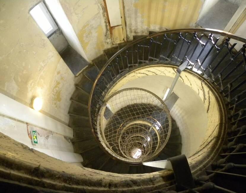 Escalier phare de Calais